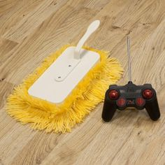 cleaning-a-hardwood-floor